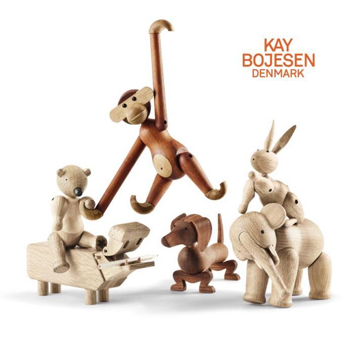 Ny Kay Bojesen aben i teak/limba | Køb den ikoniske abe i stor udgave ⇒ EM96