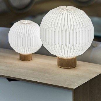 Model 375 - Medium bordlampe med standardskærm